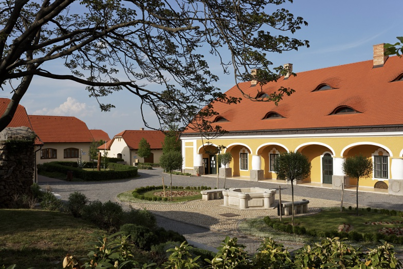 Jankovich Kúria felújítva
