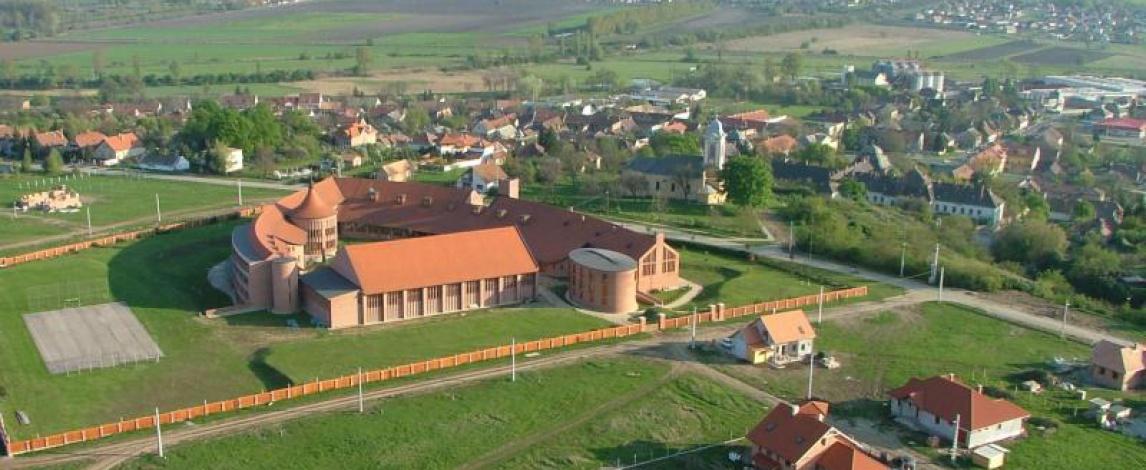 Az Aszódi Evangélikus Gimnázium látképe